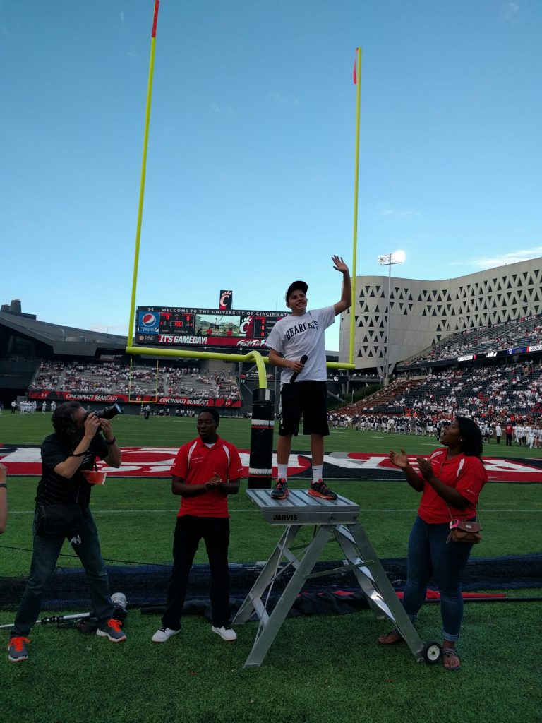 mitch-leading-cheer